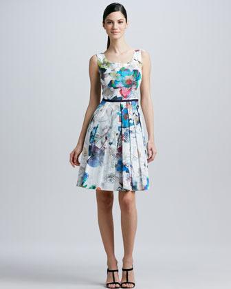 Kay Unger New York Sleeveless Scoop-Neck Dress