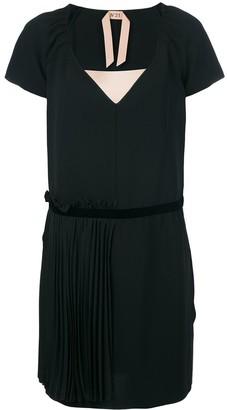 No.21 V-neck pleated dress