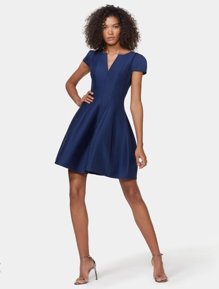 Halston Ss Notch Neck W Tulip Skirt