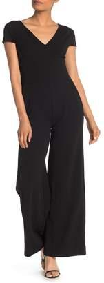 Donna Morgan V-Neck Cap Sleeve Jumpsuit