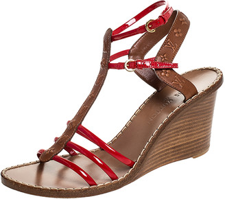 Louis Vuitton Brown Monogram Embossed Leather And Red Patent Strappy Wedge Sandals Size 40