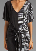 Plenty by Tracy Reese Tie Dye Placement Jersey Fanny Wrap Chemise in Black/Bone