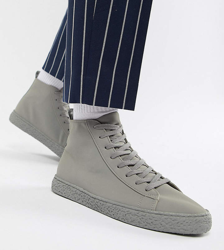 353f78cee82 Design DESIGN Wide Fit high top sneakers in gray on crepe look sole