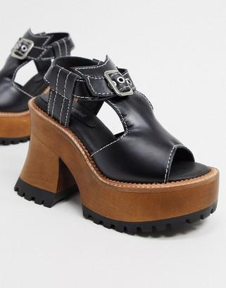 Jeffrey Campbell Scuiiuto platform sandal in black