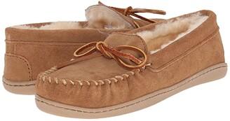 Minnetonka Sheepskin Hardsole Moc (Golden Tan) Women's Moccasin Shoes