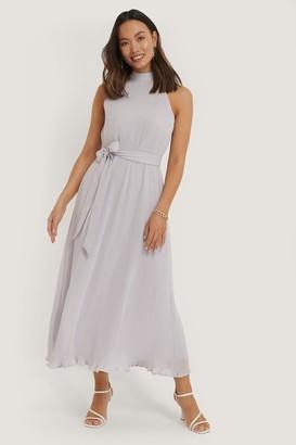 NA-KD Halterneck Pleated Dress