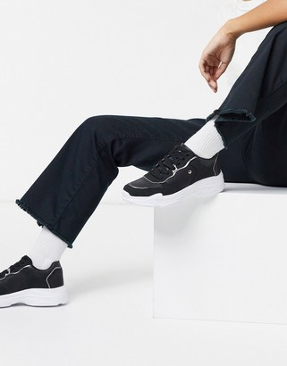 Xti lace up runner sneakers in black