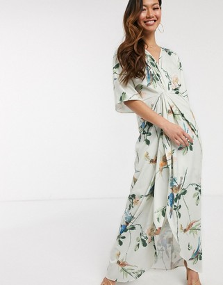 Hope & Ivy kimono maxi dress in swallow floral print