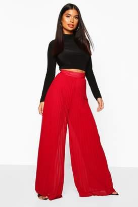 boohoo Petite Premium Wide Leg Pleated Trousers
