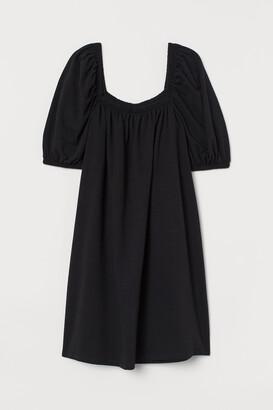 H&M Puff-sleeved dress