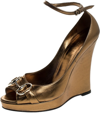 Gucci Metallic Gold Leather Horsebit Wedge Platform Ankle Strap Sandals Size 36.5