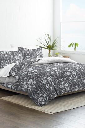IENJOY HOME Home Collection Premium Ultra Soft Secret Garden Pattern 3-Piece Reversible Duvet Cover Set - Black