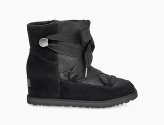UGG Classic Femme Lace-up