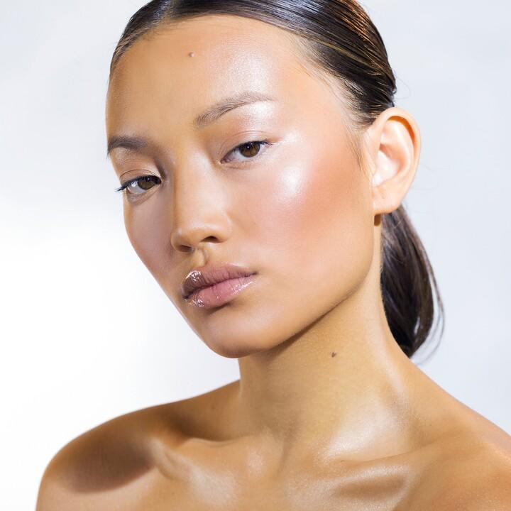 Natasha Denona All Over Glow Face & Body Shimmer in Powder