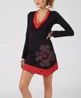 Aller Simplement Black & Red Abstract V-Neck Dress