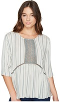 Romeo & Juliet Couture 3/4 Sleeve Stripe Top with Lace