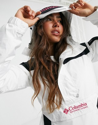 Columbia challenger pullover in white & black