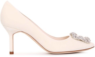 Manolo Blahnik Hangisi 70 velvet cream pumps