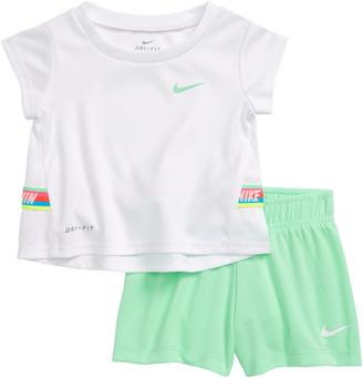 Nike Dri-FIT T-Shirt & Shorts Set