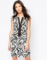 Ichi Sleeveless Printed Shift Dress