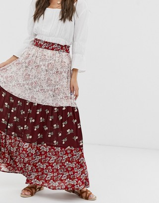 Pieces maxi skirt in mixed ditsy print-Red