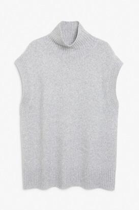 Monki Turtleneck knit vest