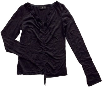 One Step Black Top for Women