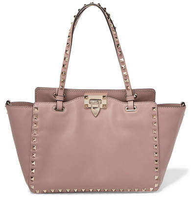 Valentino Garavani The Rockstud Leather Trapeze Bag - Blush