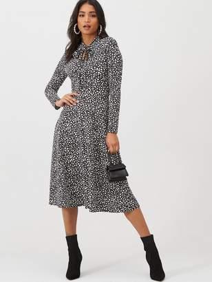 boohoo Dalmatian Print Tie Knot Midi Dress - Black