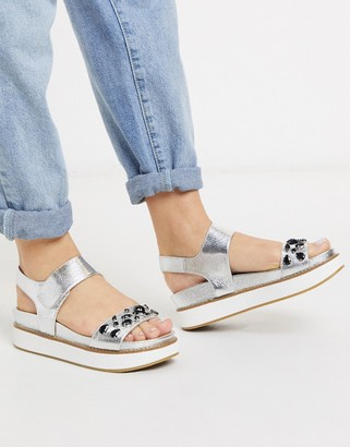 Call it SPRING umoinna chunky flatform sandals in silver