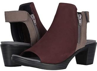 Naot Footwear Favorite (Stone Nubuck/Black Velvet Nubuck) Women's Boots