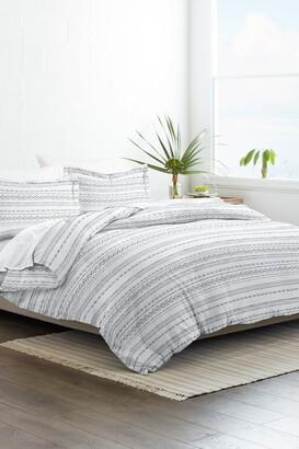 IENJOY HOME Home Collection Premium Ultra Soft Geo Threads Pattern 3-Piece Duvet Cover Set - Light Gray