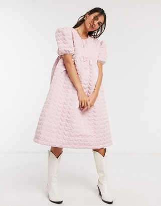 Sister Jane midi smock dress with full skirt and puff sleeves in heart jacquard