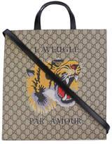 Gucci Tiger print GG Supreme tote