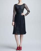 Oscar de la Renta Plisse Chantilly Lace Dress, Black