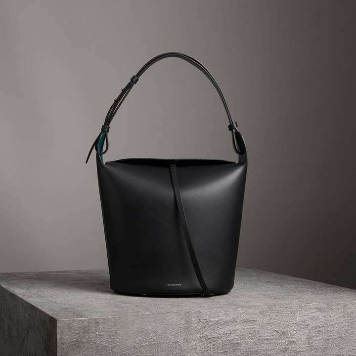 Burberry The Large Leather Bucket Bag