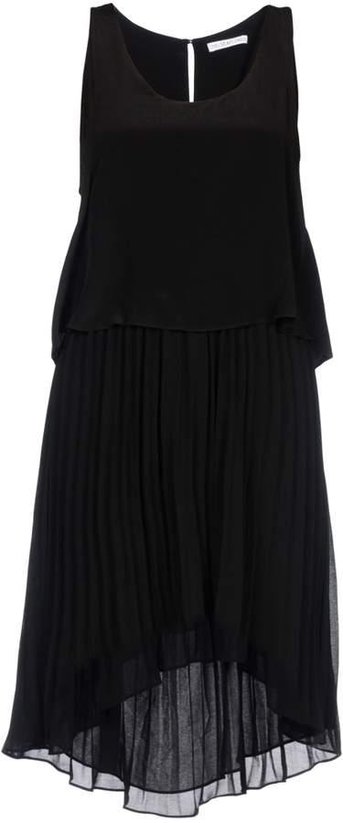 Chelsea Flower Knee-length dresses - Item 34722681CA