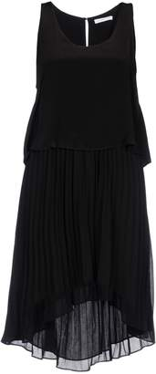 Chelsea Flower Knee-length dresses