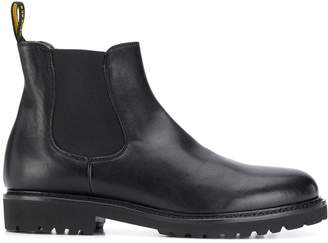 Doucal's elasticated chelsea boots