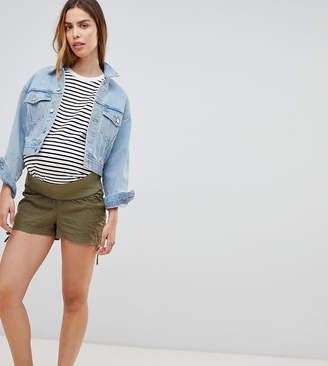 Asos DESIGN Maternity basic ruched side shorts-Green