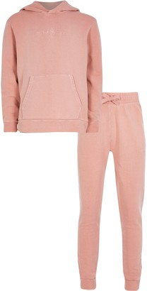 River Island Boys Pink 'Masion riviera' hoodie outfit