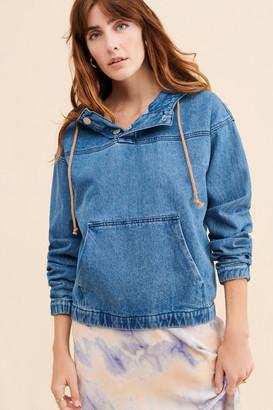Glamorous Mid-Week Pullover