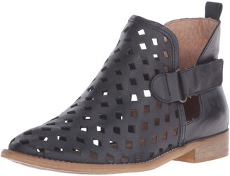 Musse & Cloud Women's Caila Ankle Boot