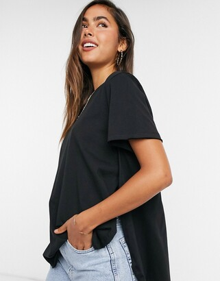 ASOS DESIGN t-shirt with curved hem and side splits in black