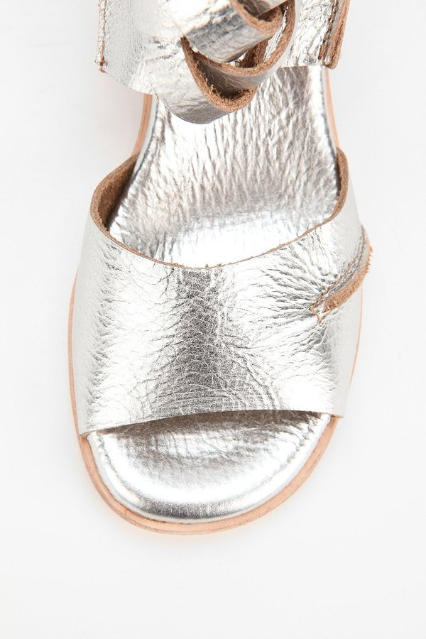 Gee WaWa GeeWaWa Braided Leather Sandal