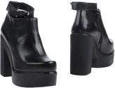 Cult Boots - Item 11219170