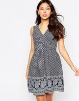 Yumi Tie Dress In Border Print