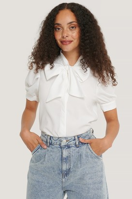 NA-KD Short Sleeve Bow Blouse