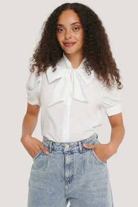NA-KD Short Sleeve Bow Blouse