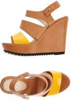 Le Crown Sandals
